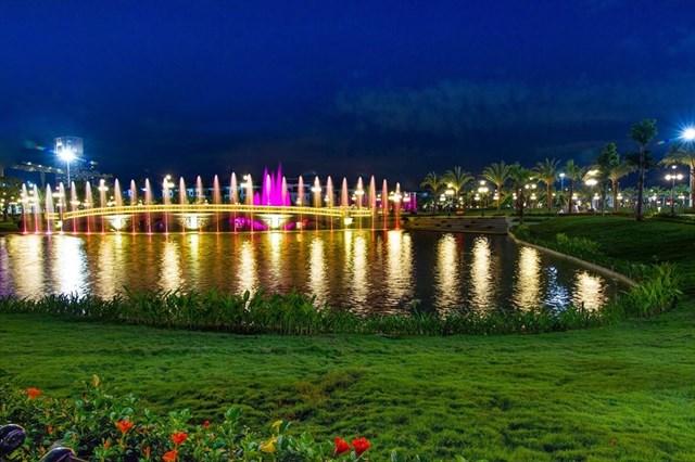 vinhomes-central-park-thanh-pho-thu-nho-ve-dem